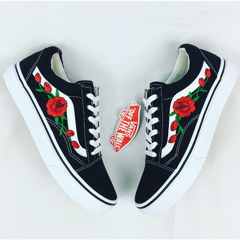 80f0956366 Tênis vans old skool floral vermelha  blackfriday - R  189.90