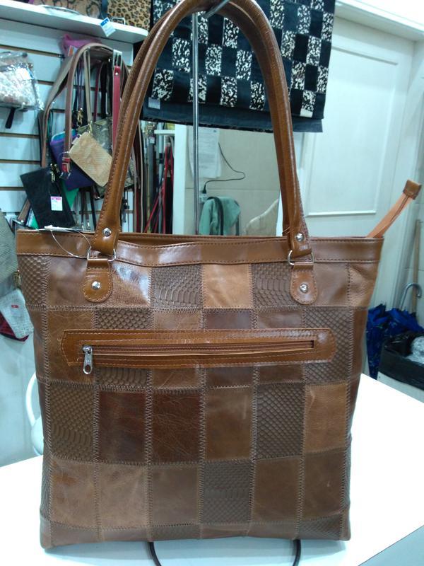 675ce45c8da86 Bolsa grande em retalhos de couro patchwork direto do fabricante feita  artesanalmente1 ...
