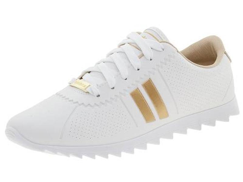 2516ab382b3 Tenis feminino casual moleca moving tratorado branco dourado. - R ...