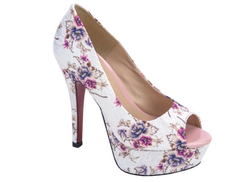 51d1c6fea Sapatos femininos peep toe meia pata - R  238.00  8176