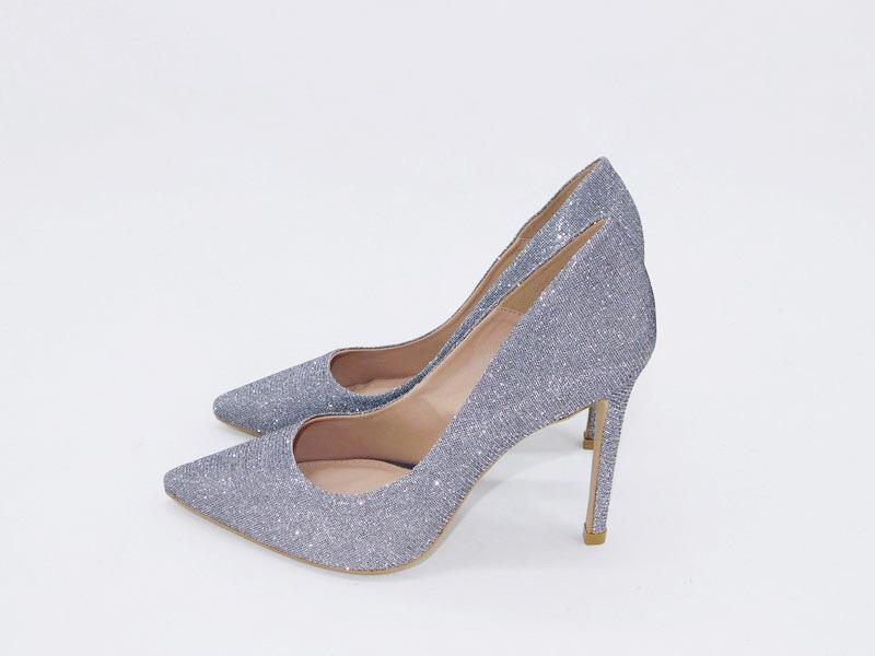 15c302d4c1 Scarpin fun store brilho lurex prata bico fino salto 12 cm - R ...