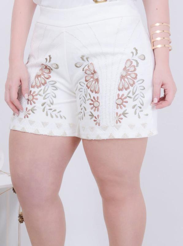 af87648c59 Shorts plus size bordado floral lançamento verão 2019 - R  159.99 ...