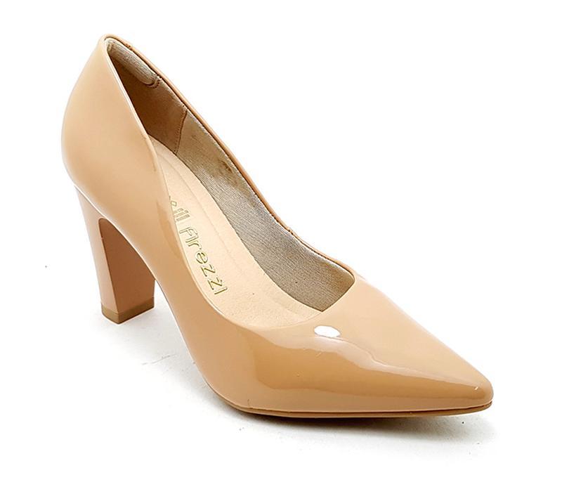 b900db6eb21 Sapato feminino scarpin firezzi verniz nude - R  119.90
