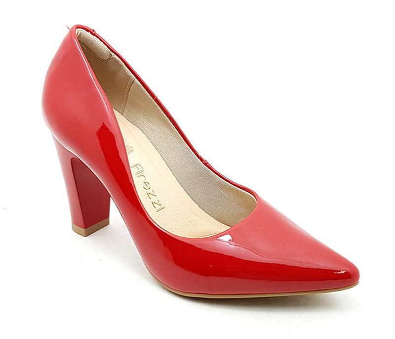 3fc7951f906 Sapato feminino scarpin firezzi verniz vermelho - R  119.90 (salto ...