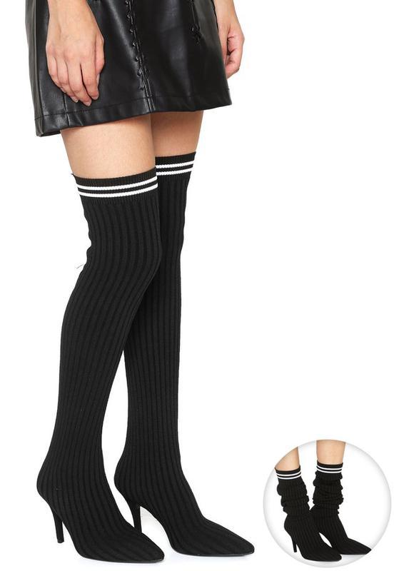 cde4b6550 Bota meia sock boot vizzano preta bico fino salto médio - R  229.90 ...