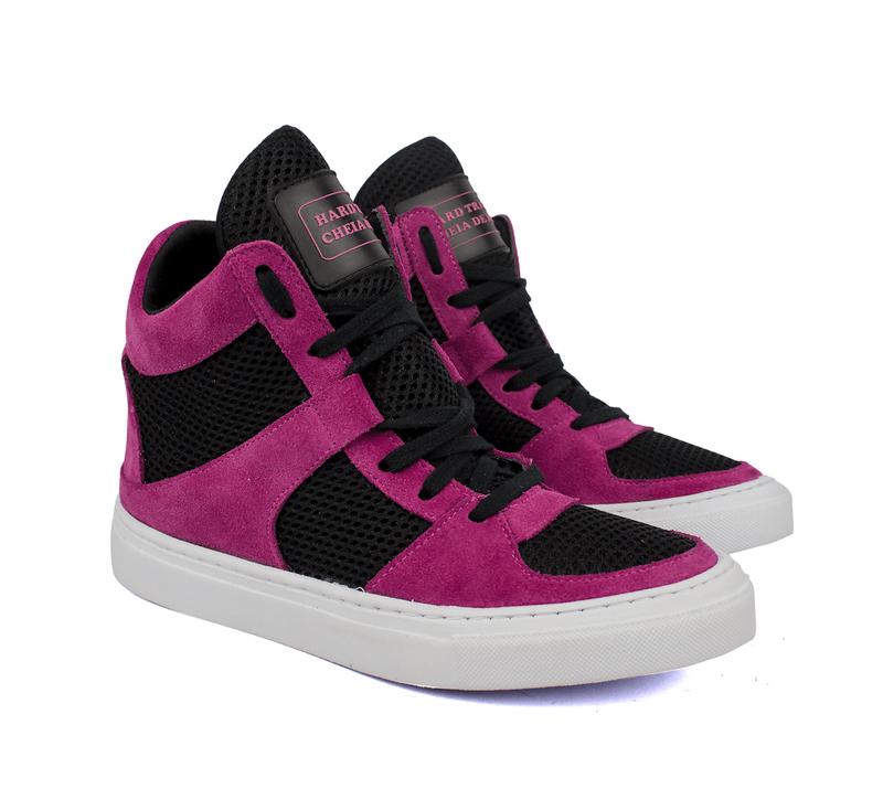 0fa633ea9f Tênis sneaker moda fitness rosa pink e preto - R  199.90  16081 ...