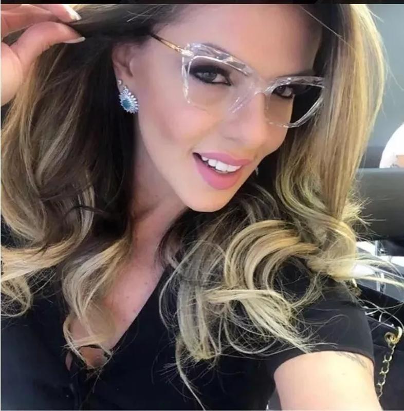 4a6d972f7ac14 Armação oculos grau feminino gatinho dg5025 transparente - R  199.99 ...