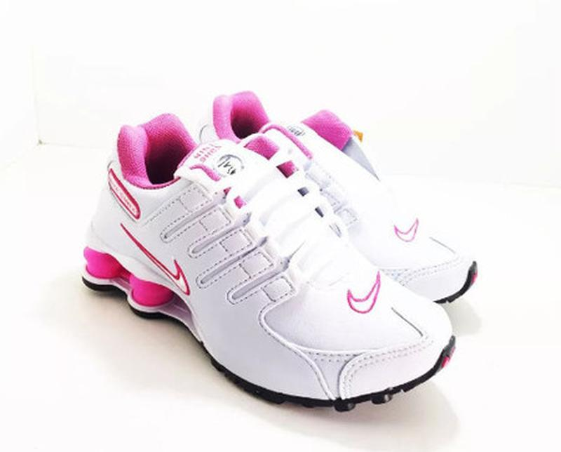6eb808c6aaa Tênis nike shox feminino branco  rosa - R  199.00 (para academia ...