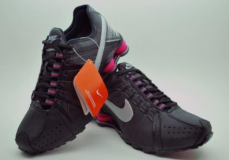 447f2bb56c3 Tênis nike shox feminino 4 molas preto rosa - R  169.90 (importado ...