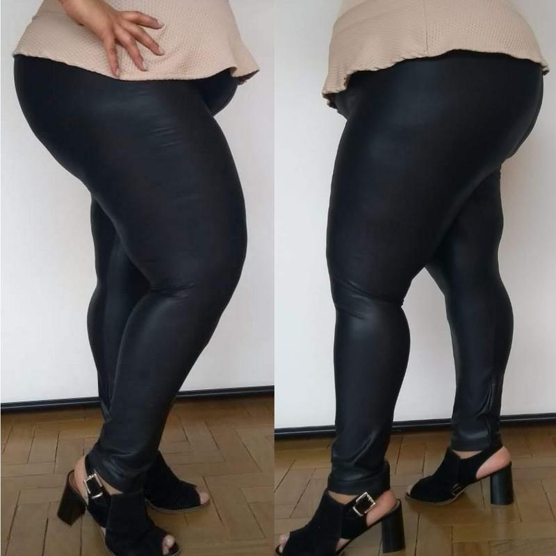 201bf25b8 ... Calça legging cirre preta plus size preta - couro fake